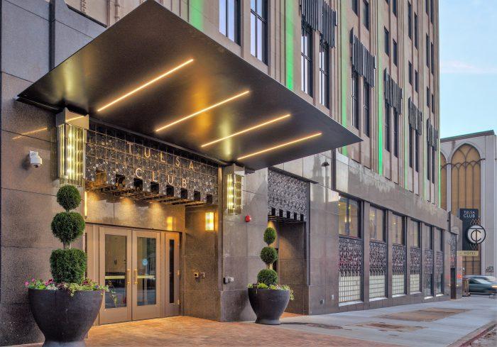Drop Off Hotel Entrance